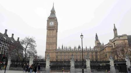 UK police arrest suspected knifeman near parliament