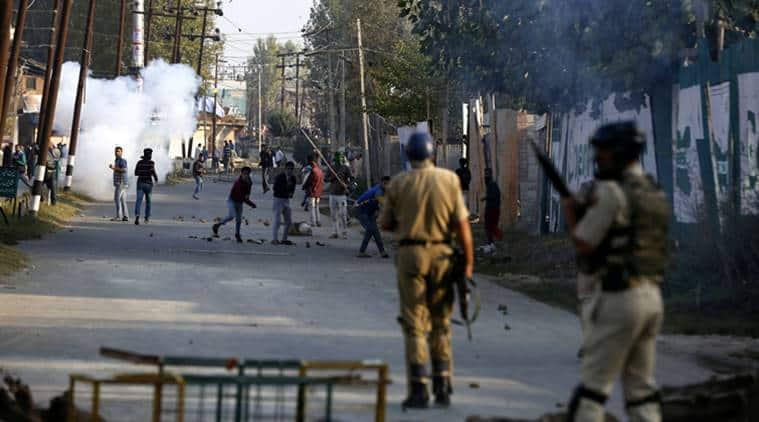Kashmir, Kashmir violence, bipin rawat, general bipin rawat kashmir, Kashmir CRPF, pellet guns kashmir, pellet guys Valley, Kashmir BJP, kashmir youth, jammu and kashmir violence, india news