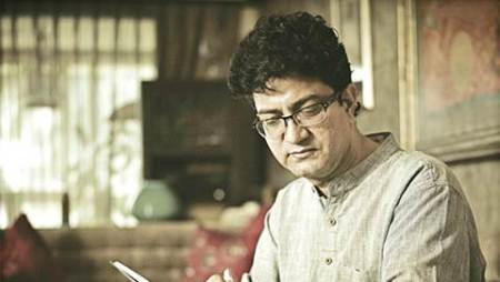 I don't want to waste my time writing an item number: Prasoon Joshi