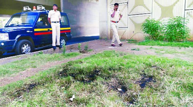 Nashik Phata, man found burnt at Nashik Phata, man found burnt at J R D Tata bridge, Pune man found burnt, Pune police, indian express news
