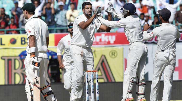 India vs Australia, Ind vs Aus, Aus vs Ind, R Ashwin, R Ashwin wickets, R Ashwin bowling, Umesh Yadav, Umesh Yadav bowling, Umesh Yadav wickets, sports news, sports, cricket news, Cricket, Indian Express