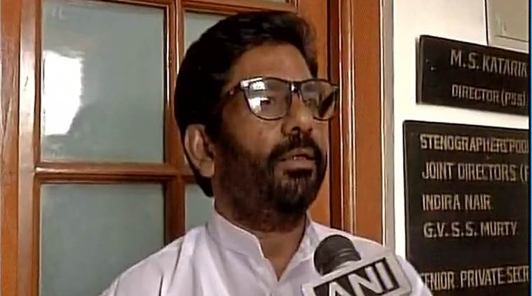 shiv sena, Air India, Shiv sena mP hits AI staffer, shiv sena mp air india, Ravindra Gaikwad, shiv sena air india staffer, shiv sena mp ai staffer, shiv sena mp assault, india news, indian express news