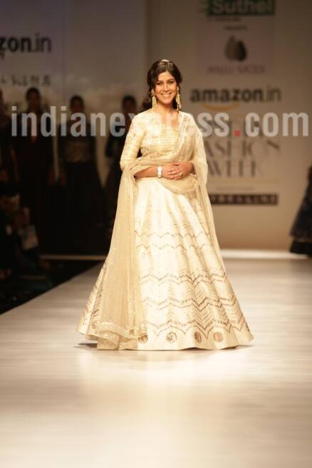Sakshi Tanwar, Sakshi Tanwar fashion show, Sakshi Tanwar amazon fashion show, Sakshi Tanwar amazon fashion show 2017