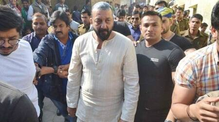 Bombay High Court gives Maharashtra government two weeks to justify Sanjay Dutt's earlyrelease