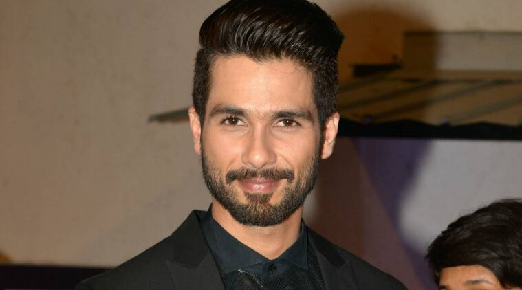 shahid kapoor, shahid kapoor padmavati, shahid kapoor actor, shahid padmavati row, shahid padmavati set damage, shahid kapoor reacion padmavati, shahid kapoor sanjay leela bhansali, padmavati set burnt, padmavati attacked, padmavati kolhapur, padmavati sanjay leela bhansali, padmavati news, shahid kapoor news shahid reacts on padmavati row, bhansali padmavati row, padmavati set damaged, padmavati set vandalised, padmavati set burnt, bollywood news, indian express news, indian express