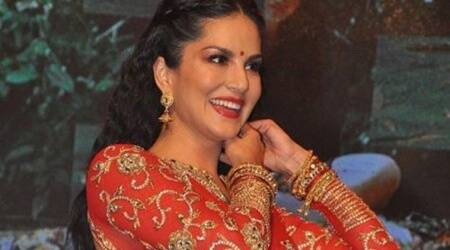sunny leone, sunny leone performance, sunny leone films, puri jagannadh, rogue music launch, rogue star cast, arbaaz khan, VV Vinayak, mahesh babu, puri jagannadh film, nandamuri balakrishna, indian express news, entertainment news