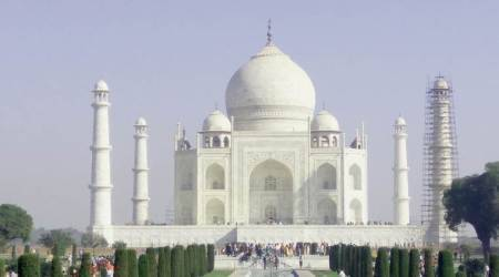 Now, buy Taj Mahal entry tickets 45 minutes before sunrise
