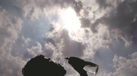 Day temp crosses 40 degrees Celsius  in state, Pune can expect light rain mid week: IMD