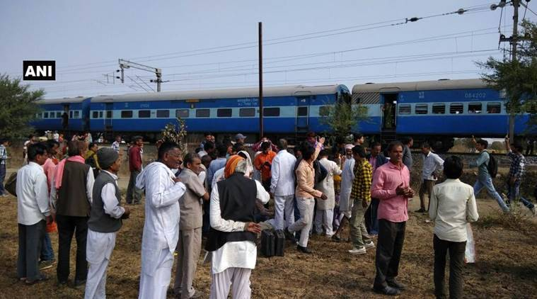 train explosion, Madhya Pradesh train explosion, Bhopal-Ujjain passenger train, MP news, india news, latest news, indian express