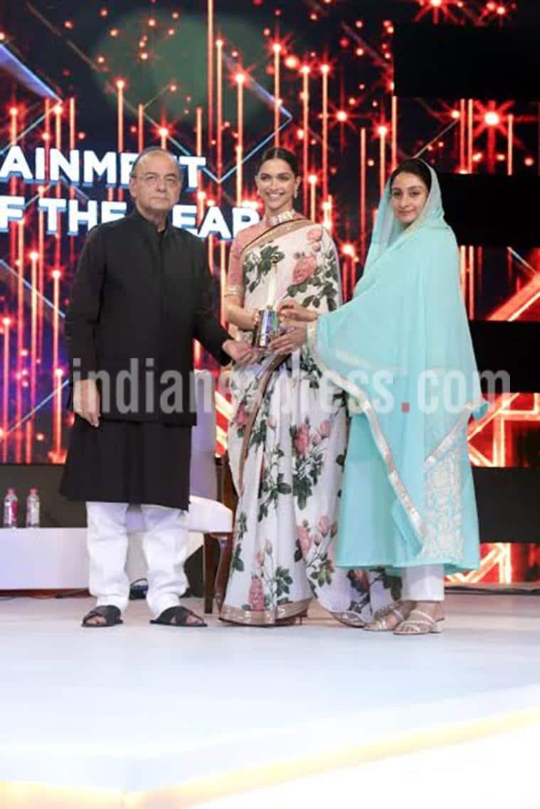 Deepika Padukone, Deepika Padukone award ceremony, deepika padukone images