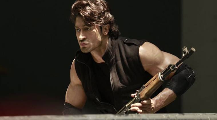 Commando 2 movie review, Commando 2 review, Commando 2 movie, Vidyut Jammwal, Commando 2, Vidyut Jamwal