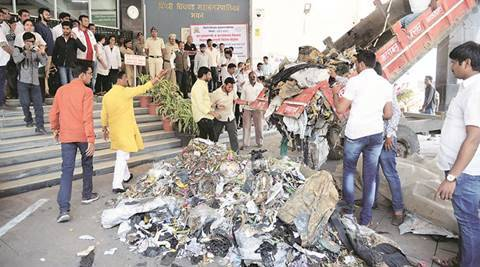 'Garbage' politics reaches gates of PCMC, PMC
