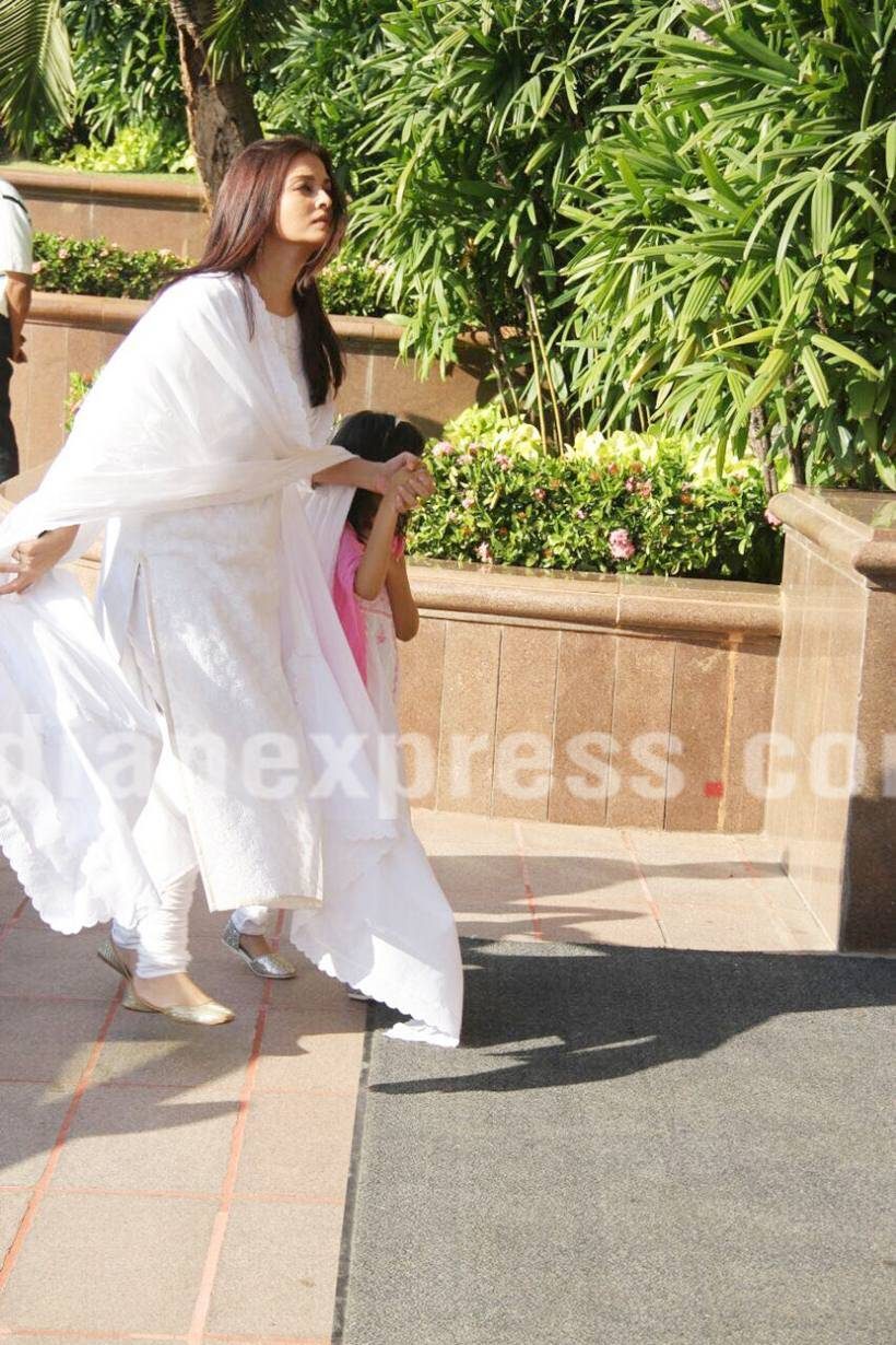 Aishwarya Rai, Aishwarya Rai Bachchan, Aishwarya Rai father, Aishwarya Rai father prayer meet, Aishwarya Rai father prayer meet pictures, Aishwarya Rai father news, Aishwarya Rai images, Aishwarya Rai father death