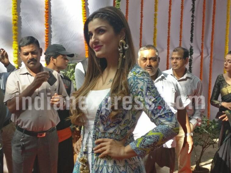 raveena tandon, raveena tandon pics, raveena tandon images, raveena tandon pictures, raveena tandon cbfc, raveena tandon censor board, cbfc new office, raveena tandon news, raveena tandon actor, entertainment news