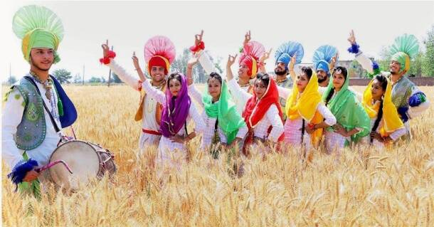 Baisakhi 2017: From Aawat Pauni to martial arts competition; here's how India is celebrating