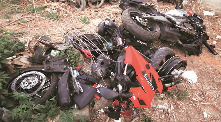 bike collision, bike collision death, sports bike collision, sports bike collision death, south delhi sports bike collision, india news, indian express news