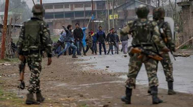 Kashmir : Policeman among several injured as students clash with law keepers