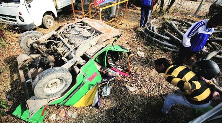 e-way mishap, Pune-Mumbai Expressway Accident, Pune Road Accident, Mumbai Road Accident, Pune-Mumbai Expressway, Indian Express, Indian Express News
