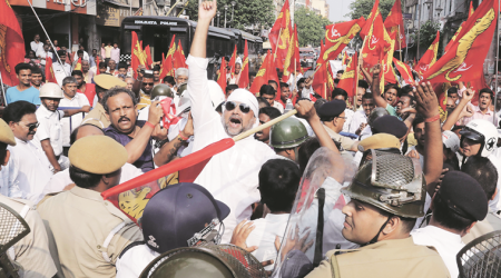 Forward Bloc workers call for arrest of Trinamool leaders, scuffle withcops