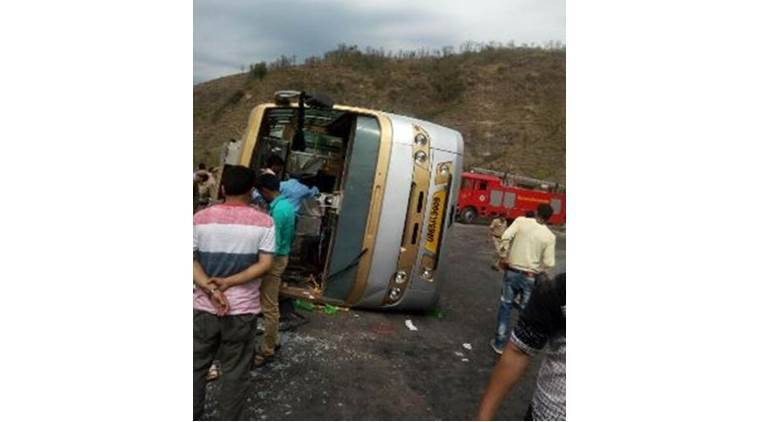 Himachal Pradesh bus accident, Himachal Pradesh bus overturn, Himachal Pradesh pilgrim bus overturns, Himachal Pradesh pilgrims bus accident, HP bus overturns, HP bus accident, HP news, pilgrims bus overturns, Indian Express, India news