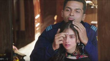 Kaatru veliyidai movie review, Kaatru veliyidai review, Kaatru veliyidai, Kaatru veliyidai movie, Kaatru Veliyidai stills