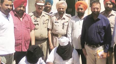 Three drug peddlers held, heroin worth Rs 1.39 lakh seized