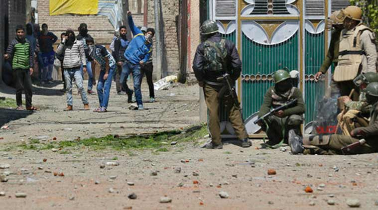 Srinagar, CRPF video, CRPF soldier video, CRPF jawan video, CRPF jawan viral video, CRPF Srinagar, CRPF, CRPF personnel abused, CRPF personnel video, Srinagar bypoll, Budgam violence, Srinagar violence, India news, Indian Express