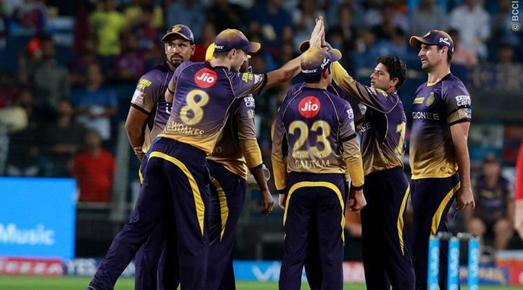 Mumbai bowlers restrict Pune after good opening stand