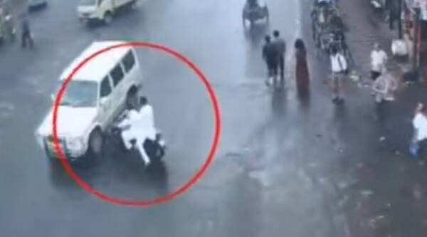 road accidents, road accident videos, road accidents videos, road accidents kolkata, kolkata traffic police, kolkata traffic police video, traffic safety video, horrifying accidents, horrific accents, indian express, indian express news