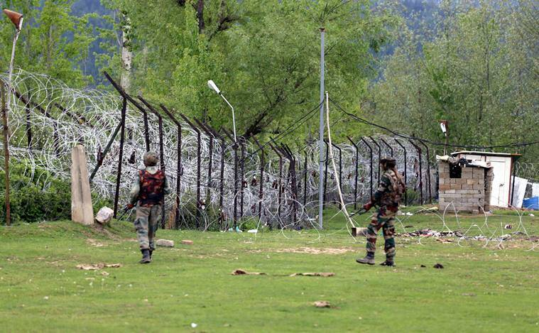 Kupwara, Kupwara firing, army firing, man injured, army panzgam, kashmir unrest, kashmir encounter, mehbooba mufti, indian express news, india news