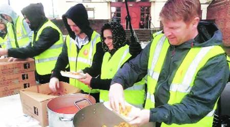 Two Sikh langar groups in UK get highest Queen's Award for voluntary service