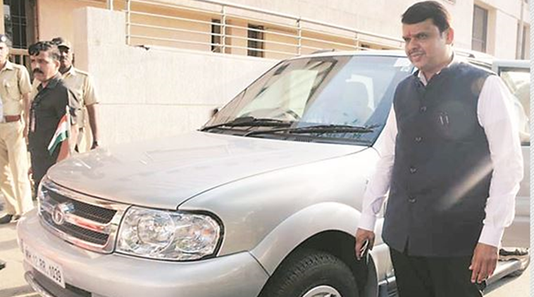 Chief Minister Devendra Fadnavis, VIP culture, red beacon vehicles, Indian Express, Indian Express News