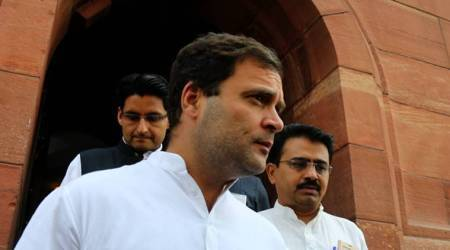 Rahul Gandhi speaks with Sharad Yadav, to attend Aug 17 Opposition meet