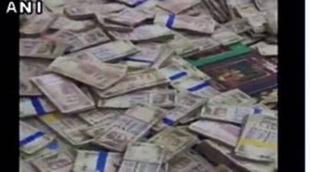Video: Rs 40 crores demonetised notes recovered from former corporator's office in Bengaluru