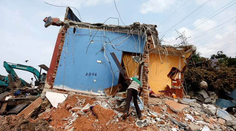 Sri Lanka garbage dump collapse toll is 32