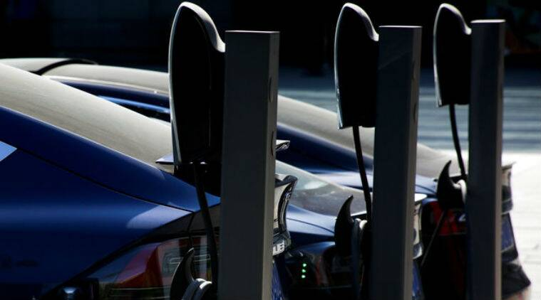 Tesla doubles its superchargers with massive solarstations