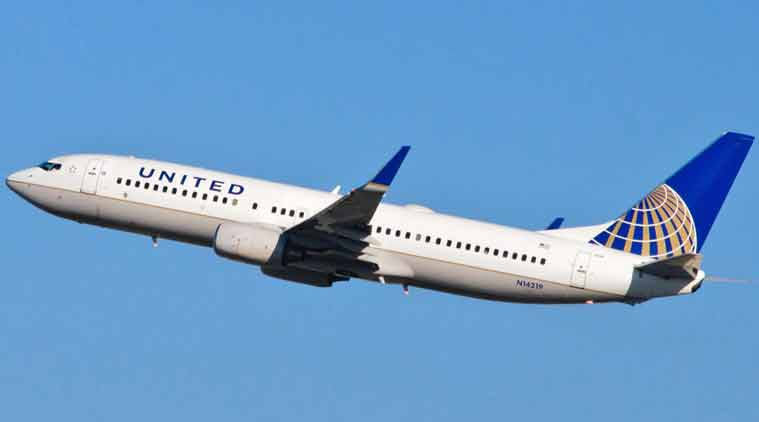 United Airlines, united flight, United Airlines flight poop, united airline flight toilet poop, united passenger toilet smeared with poop, bizarre news, viral news, odd news