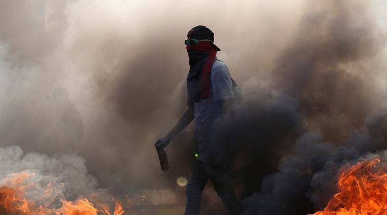 venezuela protest, caracas protest, maduro, anti maduro protest, nicolas maduro, venezuela president nicolas maduro, caracas civil unrest, venezuela opposition, venezuela anti president protest, venezuela violence, caracas violence, international news, south america news, south america protest, venezuela latest news, indian express