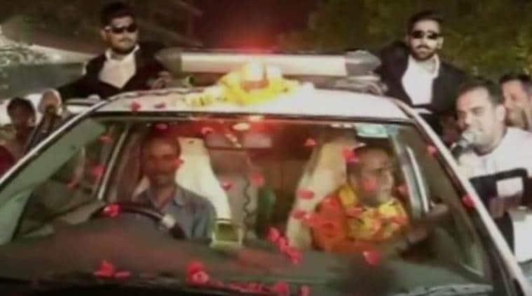 Yogi Adityanath, UP CM Yogi Adityanath, Yogi Adityanath lookalike, Yogi Adityanath duplicate spotted, Indian Express, India news