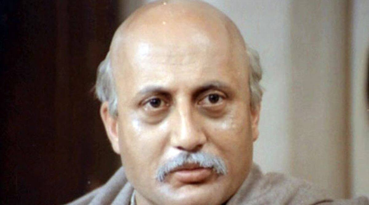 Shah Rukh Khan remembers his 'daddy cool' Anupam Kher as Saaransh completes  33 years | Entertainment News,The Indian Express