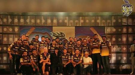 Shah Rukh Khan hosts 10th anniversary celebrations with KKR squad, see pics