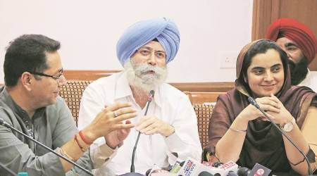 Punjab AAP leader HS Phoolka to quit on Tuesday, Bains backs Khaira as next Opposition leader