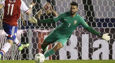 Liverpool agree record deal for Roma goalkeeper Alisson