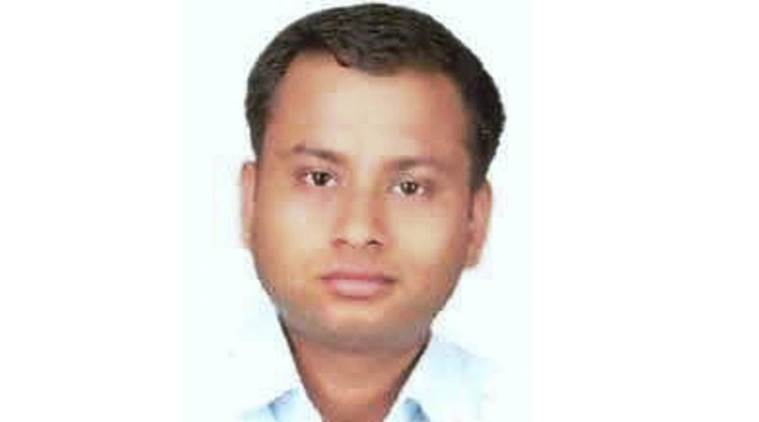 ias officer dead lucknow, anurag tewari, karnataka ias officer, up news, indian express