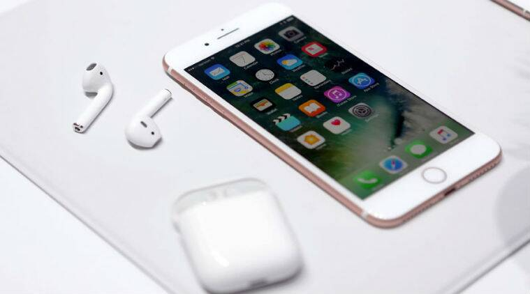 Apple, iPhone 8, iPhone wireless charging, Apple patent application, charge iPhone using Wifi, iPhone 8 wireless charging, wireless charging, iPhone 8 rumours, iPhone 8 leaks, iPhone, technology, technology news