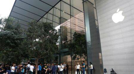 Apple. Apple Store, Apple Store Singapore, First Apple Store in SE Asia, First Apple Store in Singapore, Apple Products, Apple Services,  iPhone, Macbook, Steve Jobs, South East Asia, Technology, Technology news