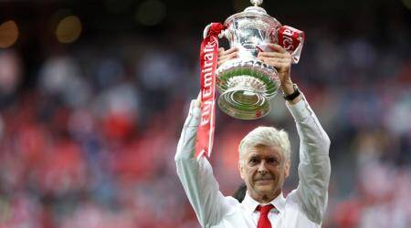 I love this club, says Arsenal manager Arsene Wenger after signing two-year contract extension