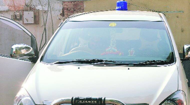 Andhra government bans use of blue beacons for officials, allowed