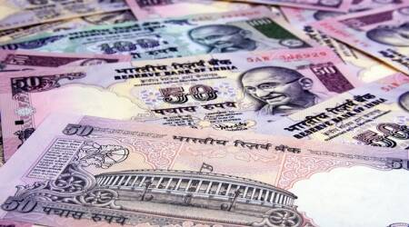 Mumbai woman constable tries to swallow bribe money after being caught