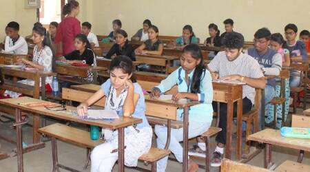 In Bihar's class 7 question paper, Kashmir is a separate country